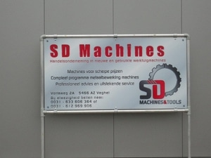 Belettering SD Machines bord