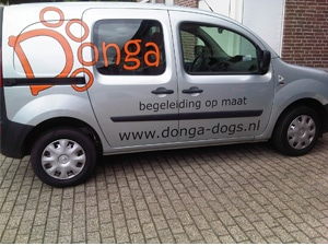 Donga-Dogs-Belettering-auto